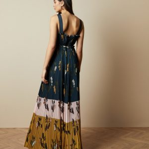 KAYLARE Savanna V neck maxi dress