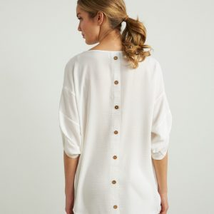 Back Buttoned Top Style 212280