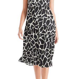marc cain dress, giraffe print, black and white, midi length dress, sleeveless, v-neckline